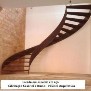 Curvamento de chapas para escada caracol