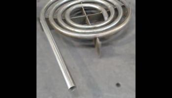 Curva em tubos de aço